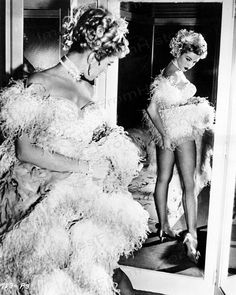 Net Photo: Kathleen Hughes: Image ID: . Pic of Kathleen Hughes - Latest Kathleen Hughes Image. Barbara Schett, Old Hollywood Glamour, Vintage Glamour, Vintage Beauty, Hollywood Style, Vintage Tv, Vintage Circus, Classic Hollywood, Betty Brosmer