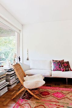 A chic eclectic living room