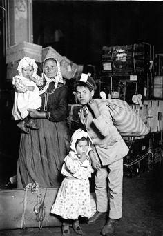 Lewis Hine - Immigration