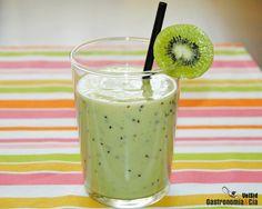 Batido HIDRATANTE Y NUTRITIVO: kiwi, plátano y yogur