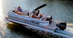 Spacious, stylish and well appointed, Lowe's all-new Retreat luxury & sport pontoon is your oasis on the water. Deck Boats For Sale, Pontoon Boats For Sale, Fishing Pontoon Boats, Lowe Boats, Maine, Lowes, Solar, Electric, Lowes Creative
