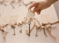 Personalized vintage keys are always a wonderful touch to anything Alice in Wonderland related