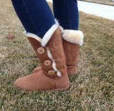 Ugg boots giveaway on PP! #ugg #boots #cyberweek
