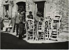 Vendita di sedie a Terranova del Pollino. 1966.