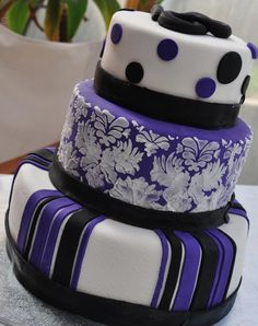 18th birthday cake for my Cuz, theme is black, white & purple.   Enquiry can be made via www.facebook.com/BabyBerryC