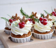 Cupcake Recipes, Baking Recipes, Cupcake Cakes, Dessert Recipes, Christmas Deserts, Christmas Baking, Christmas Food Photography, Muffins, Xmas Food