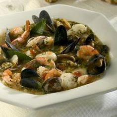 A classic seafood stew with a little bit of everything from the sea. Shrimp scallops clams mussels and crab meat; seasoned with oregano thyme and basil. Serve with a loaf of warm crusty bread for sopping up the delicious broth! Fish Recipes, Seafood Recipes, Soup Recipes, Great Recipes, Favorite Recipes, Healthy Recipes, Seafood Stew, Seafood Dishes, Seafood Cioppino