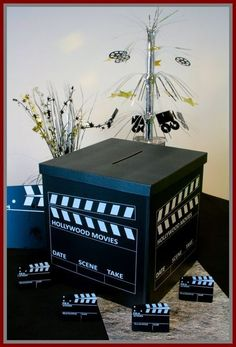Urne mariage à prix discount sur le thème du cinéma, laissez-vous séduire par notre large gamme de tirelires de mariage Cinema Themed Wedding, Wedding Movies, Themes Themes, Party Themes, Red Carpet Theme Party, Deco Cinema, Broadway Party, 21st Party, Hollywood Theme