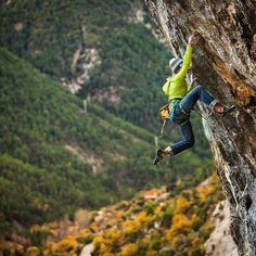 """Where's your favorite climbing area? Photo: Our friend Aleksandra Taistra takes on Spain's climbing with """"Sin Perdon (Without Forgiveness)"""". Trekking, Ski, Rock Climbing Workout, Escalade, Rappelling, Bungee Jumping, Mountain Climbing, Outdoor Fun, Outdoor Life"""