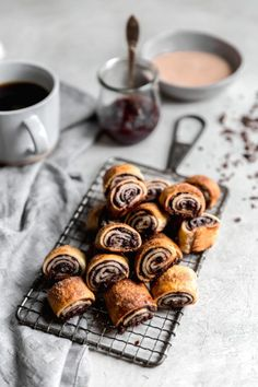 most perfect chocolate raspberry rugelach you've ever tried!the most perfect chocolate raspberry rugelach you've ever tried! Baking Recipes, Cookie Recipes, Dessert Recipes, Just Desserts, Delicious Desserts, Yummy Food, Delicious Chocolate, Chocolate Recipes, Chocolate Rugelach Recipe