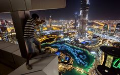 Rooftopping in Dubai with Russian photographer Vadim Makhorov. A gallery of aerial views of Dubai like you've never seen before. Dubai City, Dubai Uae, Places Around The World, Around The Worlds, Cool Pictures, Cool Photos, Amazing Photos, Interesting Photos, Shanghai Tower