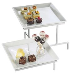 "Cal Mil PP2322-39 Prestige Platinum 2 Tier Offset Display with 2 Square Porcelain Plates - 17"" x 17"" x 13"""