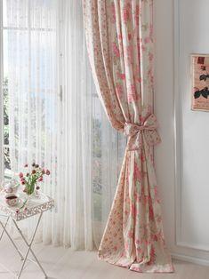 Bahar çiçeklerinden ilham alan tasarımları ve doğanın ferahlığını bir arada sunan English Home perdeleri, evlerinizde baharın tatlı esintilerini yaşatacak. English Home, Tekira'da...