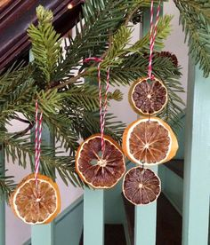 Christmas Decorations: How to Make Dried Fruit Ornaments. Brighten your Christmas tree with these organic ornaments made from natural fruit. http://stagetecture.com/christmas-decorations-make-dried-fruit-ornaments/ #Christmas #decor #ornaments