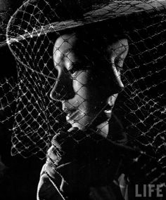 Gjon Mili, Double Exposure of Models Wearing Hat with Heavy Face Veil, 1946 Artistic Photography, Amazing Photography, Art Photography, Shadow Photography, Exposure Photography, Multiple Exposure, Double Exposure, Gjon Mili, Black And White Face