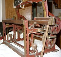 I would like info on this Salesman's Sample mechanical textile loom | Collectors Weekly