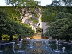 The Art Institute of Chicago is one of the city's most cherished cultural assets, but there's more to the museum than its galleries. Two pocket parks straddle the museum along Michigan Avenue, and the park just south of the museum features the dramatic Fountain of the Great Lakes sculpture from Lorado Taft.