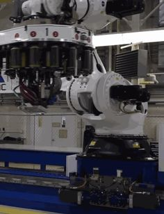 NASA's new two-story tall, 7 ton robot
