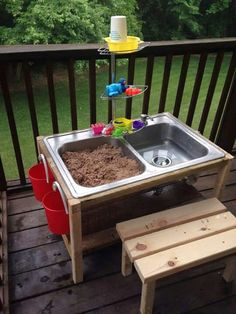 Fun and Easy DIY Outdoor Play Areas For Kids 2017 - DIY Sand And Water Table. You are in the right place about diy Here we offer you the most beautiful - Kids Outdoor Play, Outdoor Play Areas, Backyard Kids, Backyard Parties, Childrens Play Area Garden, Outdoor Play Kitchen, Backyard Games, Backyard Landscaping, Diy For Kids