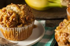 These mouthwatering banana nut butter and jam muffins are packed with protein. Banana Bran Muffins, Banana Protein Muffins, Dash Diet Breakfast Recipe, Breakfast Recipes, Dessert Recipes, Breakfast Muffins, Bakery Recipes, Free Breakfast, Brunch Recipes