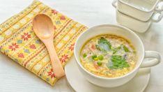 Rýchla zeleninová polievka s vajíčkami | Recepty.sk Tofu Miso Soup, Spring Soups, Egg Drop Soup, Seafood Soup, Fresh Asparagus, Food Website, Frozen Peas, Soups And Stews