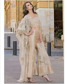 Pakistani Couture, Pakistani Dresses, Indian Dresses, Indian Outfits, Traditional Fashion, Traditional Outfits, Indian Wedding Wear, Indian Bridal Lehenga, Desi Clothes