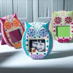 Embroidered owl shaped photo frame