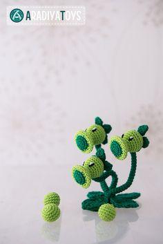 "Crochet Pattern of Threepeater from ""Plants vs Zombies"" (Amigurumi tutorial PDF file)"