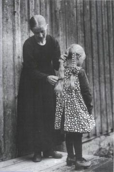 Lux Filia Finnish women, daughter's Finland Meanwhile In Finland, Finnish Women, Before Us, Mother And Child, Vintage Photos, The Past, Images, Black And White, Pictures