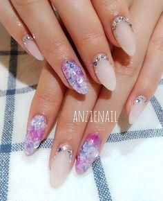 梅雨を楽しむ「紫陽花ネイル」が上品で素敵!しっとり輝く指先に癒されて♡ - tredina(トレディナ)
