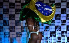 ... e do outro lado, a bandeira do Brasil. Foto: Alexandre Carvalho/ Fotoarena