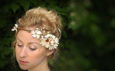 Beautiful Floral Headbands For Spring And Summer All Women Fantasy Wedding, Boho Wedding, Dream Wedding, Hippie Flowers, Hair Flowers, Cute Headbands, Floral Headbands, Françoise Sagan, Costume Ideas