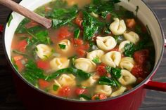 Fresh Spinach Tomato and Garlic Tortellini Soup - Cooking Classy Spinach Tortellini Soup, Tomato Soup, Tortellini Recipes, Tomato Basil, Cook Fresh Spinach, Fresh Garlic, How To Make Tortellini, Garlic Soup, Garlic Cheese
