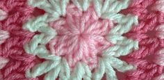 [Free Pattern] This Lovely Baby Blanket Pattern Works Up So Quick, You'll Be Amazed! - Knit And Crochet Daily