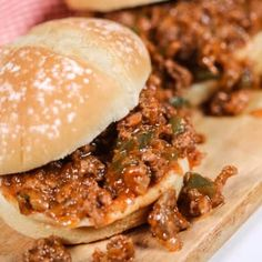 The best Homemade Sloppy Joes recipe (or wimpies) recipe that can be prepared in less than 30 minutes. The perfect meal for a busy family. The best Homemade Sloppy Best Homemade Sloppy Joe Recipe, Homemade Sloppy Joes, Sloppy Joes Recipe, Homemade Recipe, Homemade Sandwich, Sandwich Recipes, Fun Easy Recipes, Dinner Recipes, Easy Meals