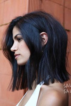 Dark Color Bob Hairstyles bluntbob bobhaircut haircuts ❤️ Are you curious to find out creative ideas of exquisite blunt bob hairstyles? Have a look at our collection and get inspired! Medium Hair Cuts, Short Hair Cuts, Medium Hair Styles, Curly Hair Styles, Blunt Bob Medium, Long Blunt Bob, Long Blunt Haircut, Blunt Bob Haircuts, Hair Bob Long