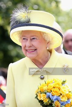Queen Elizabeth II smiles as she departs the Adlon Hotel on the final day of a four day State Visit to Germany on June 26, 2015 in Berlin, Germany.  (Photo by Chris Jackson - Pool / Getty Images)