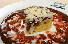Ραβανί με sauce σοκολάτας και κυδώνι - Filenades.gr