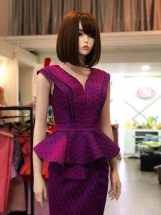 Modern African Print Dresses, African Fashion Dresses, African Dress, Traditional Fashion, Traditional Dresses, Simple Dresses, Beautiful Dresses, Thai Wedding Dress, Myanmar Dress Design