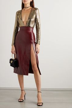 Burgundy Skirt Outfit, Pencil Skirt Outfits, Pencil Skirts, Sequin Pencil Skirt, Leather Midi Skirt, Gucci Outfits, Lace Tights, Gucci Shoulder Bag, Looks Chic