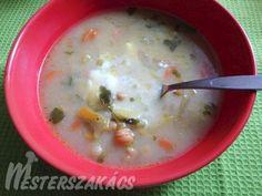 Joghurtos csicseriborsóleves recept Cheeseburger Chowder, Curry, Soup, Kalay, Curries, Soups