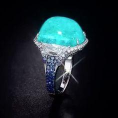 An unbelievable Cabochon Paraiba Tourmaline Ring from Martin Katz