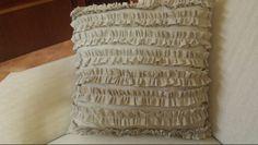 Cuscino di puro lino con ruffle