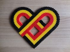 I love Belgium, België, Hama Beads, home decoration, Heart, Pixel art, perler beads, TCAshop, fuse beads door TCAshop op Etsy https://www.etsy.com/nl/listing/243430467/i-love-belgium-belgie-hama-beads-home