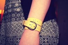 DIY leather belt bracelet, another thing to look for at Thrift stores! Diy Leather Belt, Diy Leather Bracelet, Leather Art, Leather Jewelry, Bracelet En Cuir Diy, Personalized Jewelry, Handmade Jewelry, Diy Belts, Do It Yourself Fashion