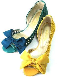 mesh shoes with ribbon