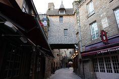 Mont Saint Michel, rua principal, 20h