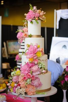 A delicious cake is the sweetest ending to a perfect wedding celebration. Check out these 40 outstanding wedding cake designs, take inspiration from our favorites, featuring elegant patterns and elaborate fondant flowers. Wedding Cakes With Flowers, Beautiful Wedding Cakes, Gorgeous Cakes, Pretty Cakes, Perfect Wedding, Wedding Simple, Flower Cakes, Amazing Cakes, Fondant Cupcakes