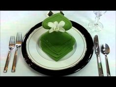 How to fold napkin into Waterfall Fantasy design