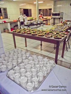 Coalhada seca e kibe cru //  Tive o prazer de participar da comemoração do jantar árabe dançante em prol do Abrigo de Crianças Bem-Viver, organizada pelo 13º Quarteirão de Amigos de Jaú, a convite de Fernanda Élle, assessora de imprensa voluntária e apoiadora das atividades dos amigos.     Se conhecer outras culturas já é muito bom, aproximar-se do mundo árabe em clima de amizade foi gostoso demais.    Leia mais…